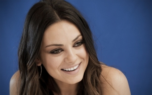 Actress-Mila-Kunis-Beauty